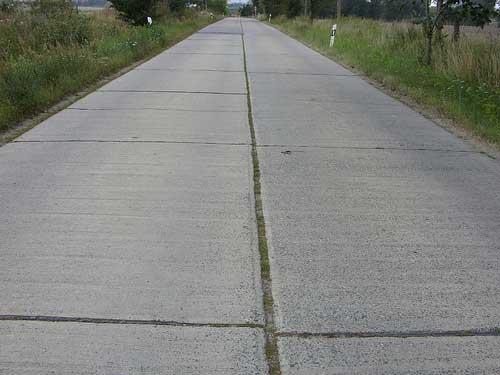nawierzchnia z plyt drogowych